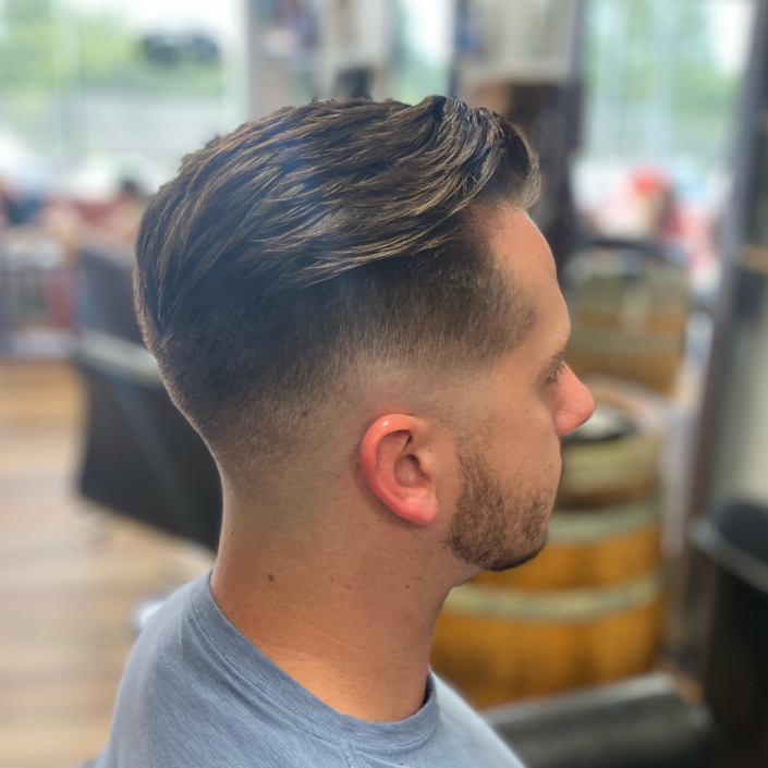 Men's haircut photo.